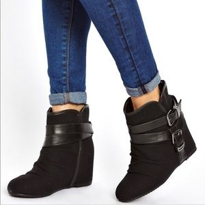 ALDO Elyta Strap Wedge Ankle Boots Size 6
